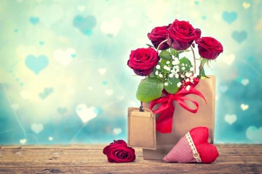 coeurs, bouquet de roses rouges